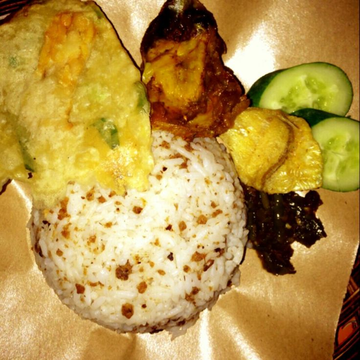 One of jakarta' choice: nasi oncom: soya bean rice mix fried tofu, tempe from soybean, chicken, chilli..yumm..