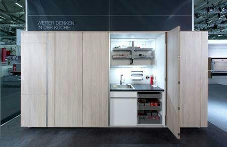 El sistema Finetta te permite crear 2 ambientes en un mismo espacio. En tan sólo unos segundos, podés descubrir tu cocina y convertirte en un chef profesional. Pero durante el resto del día nadie sabrá que hay detrás de Finetta. Consulte con nuestro asesor de ventas.