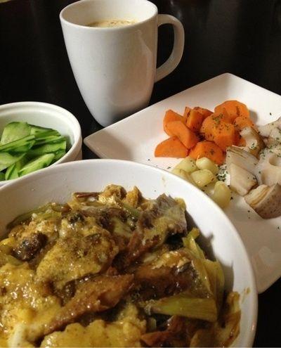 さんまの蒲焼缶の卵とじ、豆乳スープ、根菜焼き、きゅうり by canchome ...