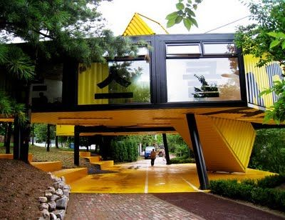 Trend-Forward: Container Architecture If you like please follow our boards!~  ❤ I love the idea of having the house suspended and having lots of room below
