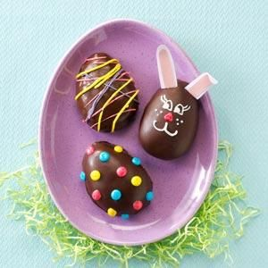 Homemade Peanut Butter Easter Eggs Recipe and Instructions - Taste of Home - Get the kids involved in making these chocolate and peanut buttery treats, well worth the sticky fingers! — Mary Joyce Johnson, Upper Darby, Pennsylvania