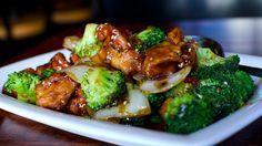 Manzo saltato cinese con broccoli salsa di soia zenzero, ricette cinesi