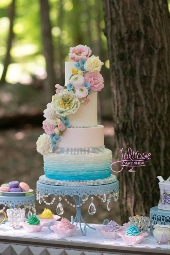 As seen in Wedding Chicks blog. I made this cake for a styled photo shoot for Ever After Bridal's Veluz gowns.