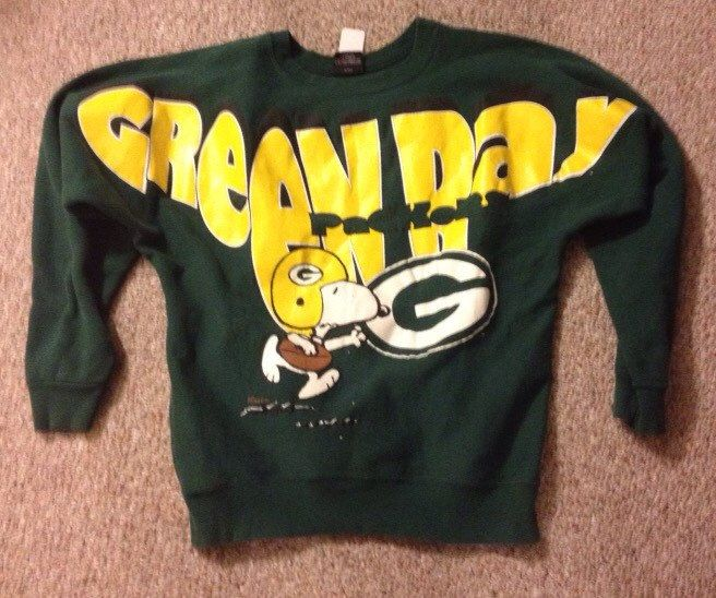 Vintage Green Bay Packer Sweatshirt with Snoopy // Peanuts Sweatshirt // Snoopy Packers Sweatshirt // Size Medium by GreenBayGal on Etsy