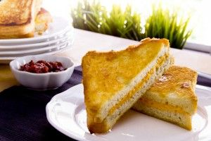 Grilled Cheese with Quick Tomato Preserves