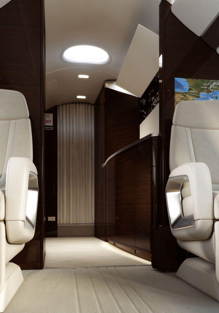 Falcon 5X's skylight-First skylight in aviation.