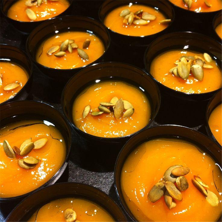Crema de Calabaza y mousse de gorgonzola World cooking basics, recetas, tienda, tiendas, gourmet, gastronomía, comida, internacional, delicatesen