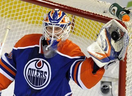Edmonton Oilers goalie Devan Dubnyk