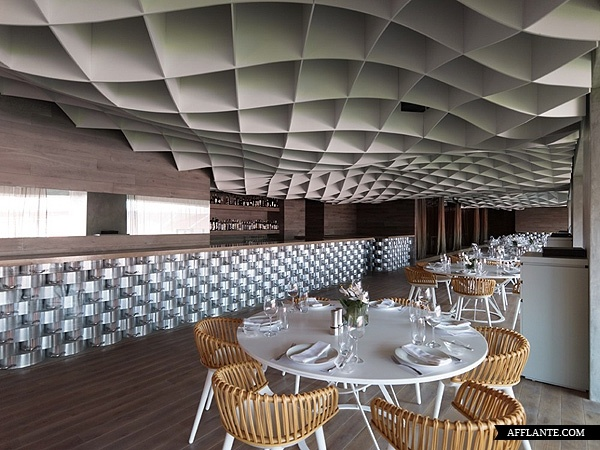 V'ammos Restaurant at Karaiskakis Stadium // LM Architects