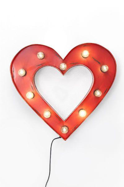 Φωτιστικό τοίχου Heart 10 Υπέροχο φωτιστικό τοίχου κατασκευασμένο από σίδηρο με τεχνητή παλαίωση σε κόκκινο χρώμα που δημιουργεί μία ρομαντική ατμόσφαιρα στο χώρο. Energy class: A-E, 10xE14, max. 25W, 220-240V, 50Hz (εκτός)