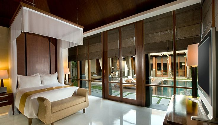 The Kayana Villa located in Seminyak, Bali. Take 3-minute walk from Potato Head Beach Club, 8 km from Ngurah Rai International Airport, 10-minute walk to Seminyak Square and Petitenget Beach. The resort offers a spa, villas with private pools and free Wi-Fi.   http://www.zocko.com/z/JIRU7