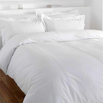 Sometimes I dream of an all white bedroom.....