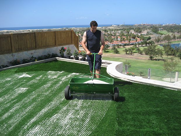 Installation of high quality artificial turf in garden in Maspalomas, Gran Canaria.