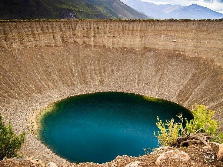 Колодец душ – #Аргентина #Мендоса (#AR_M) Колодец душ - пара прикольных естественных углублений в земле, наполненных водой. И никакой мистики! http://ru.esosedi.org/AR/M/1000215845/kolodets_dush/