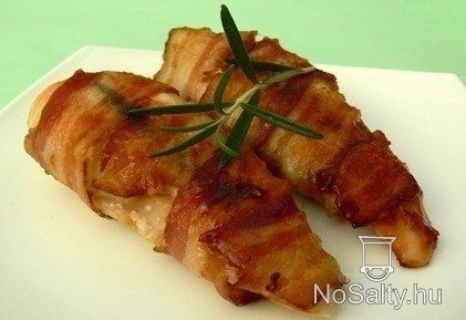 Baconbe göngyölt csirkemell