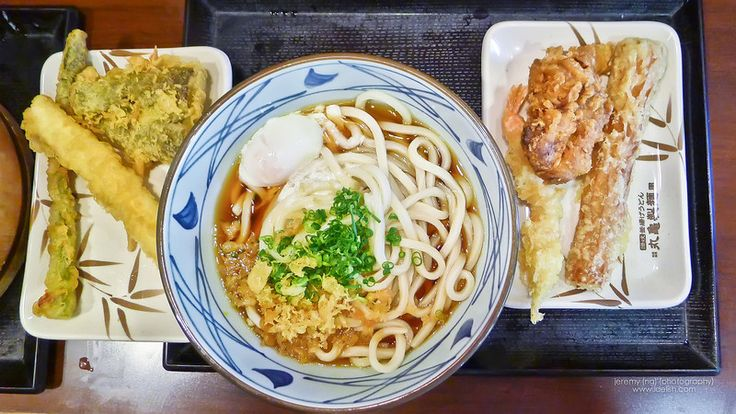 Marukame Udon - one of our favorite lunch places in Honolulu. See the rest of our fav eats here... {USA} Where to eat in Oahu – Our list of favorite eats | Idelish