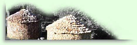 Holz lagern leicht gemacht in einem traditionellen Scheitholz-Miete - holzscheite, holz, scheitholz