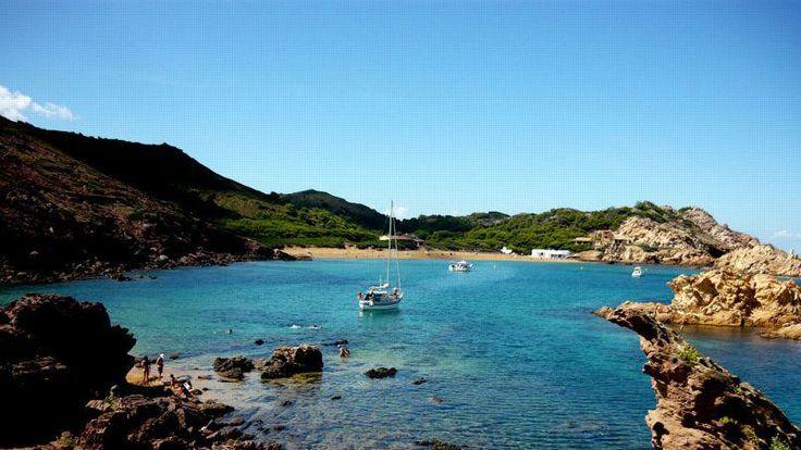 Cala Pregonda sur l'île de Minorque. Une crique bien protégée. (Crédit: Jle1Bat1/ CC))
