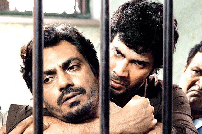 badla badla lyrics.Badlapur is amazing action thriller showing dark shades of grey, portrayed by Varun Dhawan as Raghu. Badlapur (2015) songs and review.