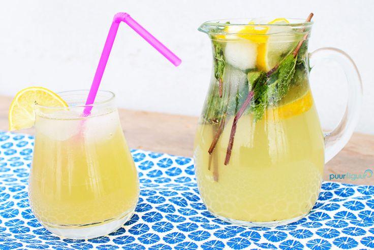 Wil je een gezond alternatief voor frisdrank? Probeer dit lekkere recept voor zelfgemaakte limonade eens! Zonder conserveringsmiddelen :)