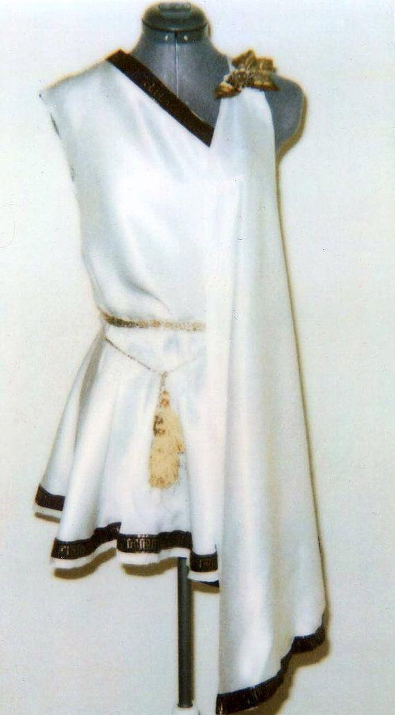 Voorbeeld halsuitsnijding Griekse godin jurk