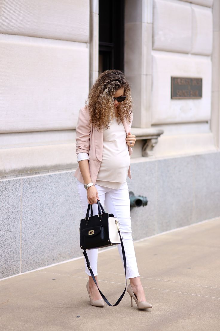 2 schicke Möglichkeiten, weiße Jeans zur Arbeit zu tragen – Job Dressing