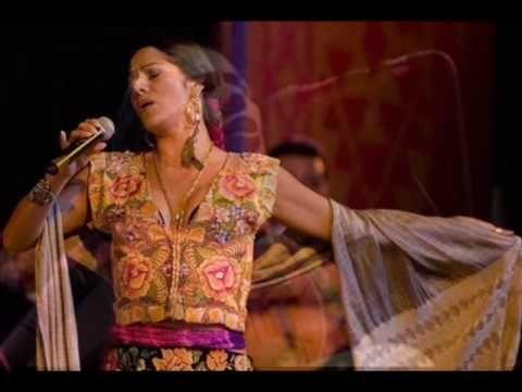 LILA DOWNS - Cielo Rojo, beautiful version
