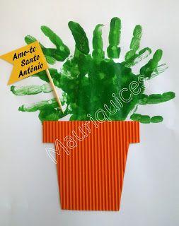 Mauriquices: Com a mão fiz um manjerico, e só com a mão o posso cheirar!