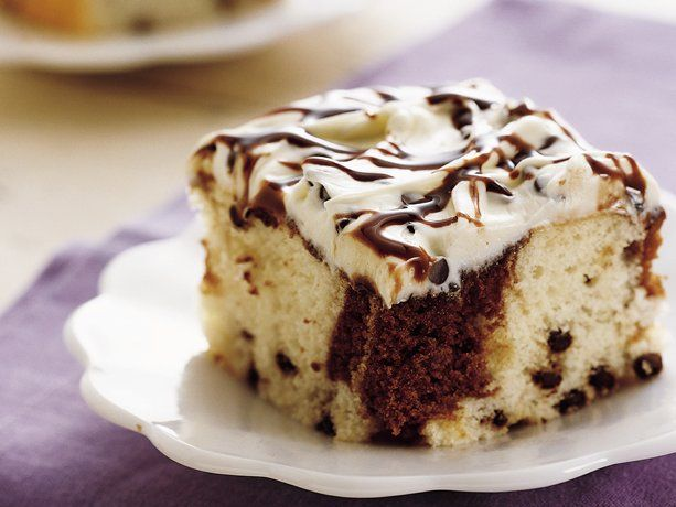 CHOCOLATE CHIP SWIRL CAKE: Chips Swirls, Cakes Mixed, Chocolates Chips, Chocolates Syrup, Marbles Cakes, Chocolates Sauce, Cakes Recipe, White Cakes, Swirls Cakes
