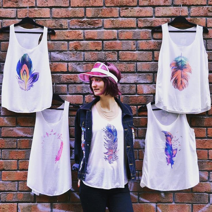 Fiercy feathers ✨ szputnyik szputnyikshop budapest feather print tanktop selection birds ladiesfashion streetstyle casual chic pink blue colourful fashion