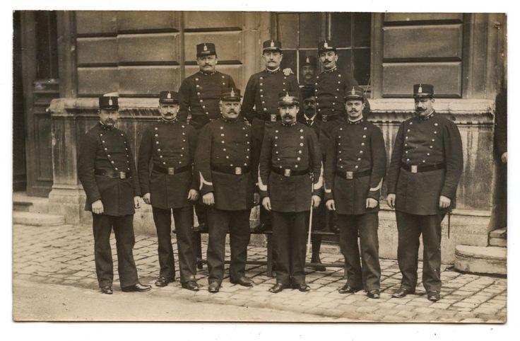 CARTE PHOTO ANCIENNE DE 1910.POLICE MUNICIPALE.POLICIERS.UNIFORMES.POLICIER. | eBay