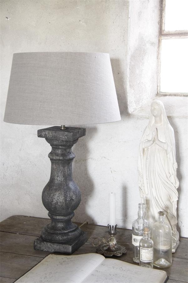 Love this lamp of Jeanne d'Arc Living!
