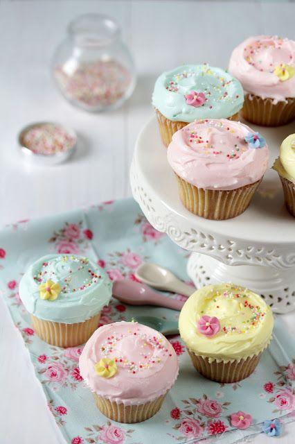 Vanilla & Marshmallow Cupcakes