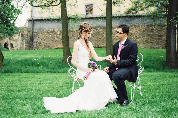 Documentary wedding photo Doc-Style wedding photographer prague svatebni fotograf praha fotógrafo de bodas en Praga свадебный фотограф в Праге  www.paveldufek.com www.paveldufek.cz  #czech #austria #italy #italia #cesko #wedding #fotograf #fotograf #photographer