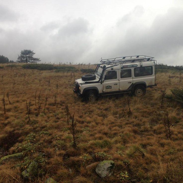 Defender 110 Bolu dörtdivan yağmur kampı
