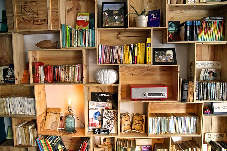 Totally in love with this bookshelf! diy wine crates