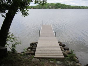 $1000 Haliburton, Minden, Horseshoe Lake - Haliburton Highlands Ontario vacation rentals Canada.