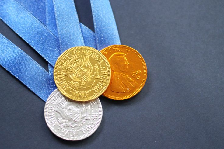 Make these DIY chocolate medals while you cheer on your favorite Summer Games' athletes.