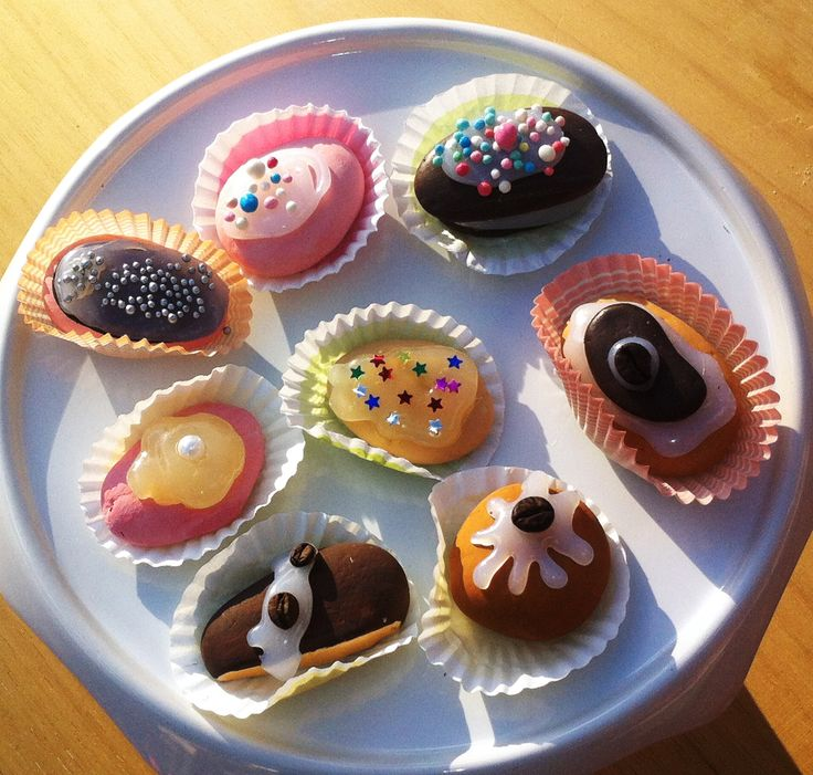 segnaposto e decorazioni - sassi a forma di dolci - Impronte sulle Nuvole