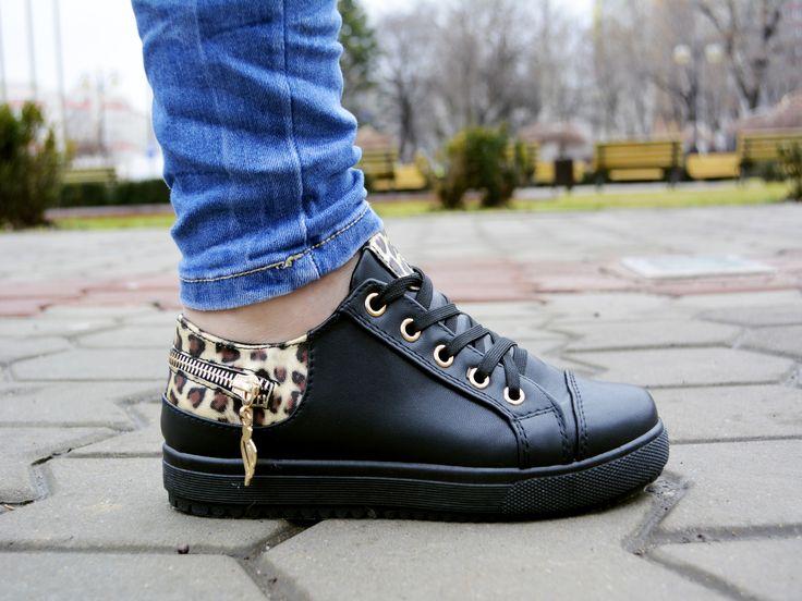 Tenisi OutCross Negru http://www.standard-shoes.ro/produse-noi.html #sneakers #fashion #streetfashion #animalprint #black #details #girls #shoes
