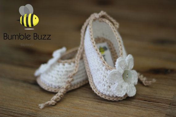 Daisy  Baby Booties / Shoes / Sandals 0-3 by BumbleBuzzBaybeez