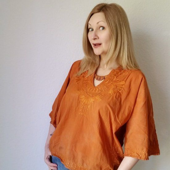 Discover just how easy it is to upsize a shirred top + my top refashionista fabric bleaching tips!
