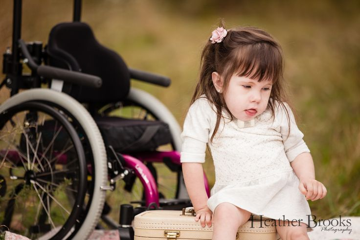 #heatherbrooksphotography #windsorchildrensphotographer #windsorchildrenphotography #essexchildrensphotographer #adorable #studiophotography #snapsocietydailyfav #littlegirl#wheelchair