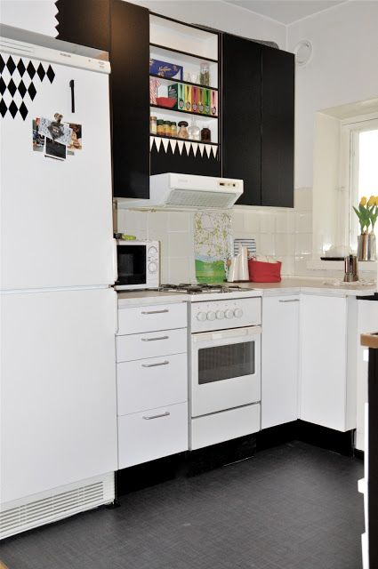 Two-toned kitchen with d-c-fix self adhesive film/contact paper!