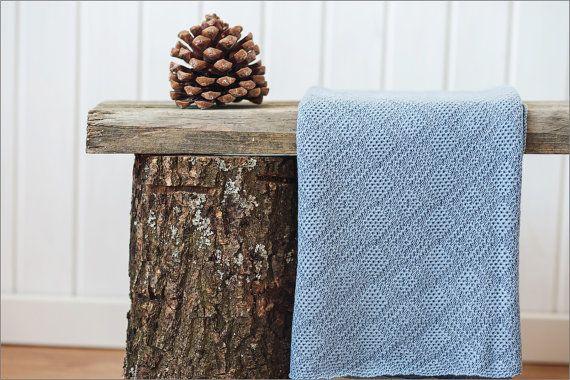 Baby jongen gebreide deken: gebreid blauw  28 x door LinenWoolen