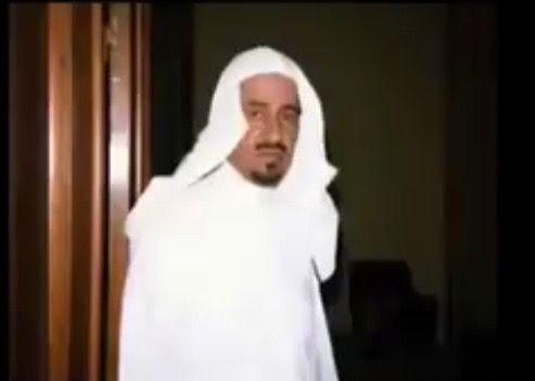 الملك خالد الله يرحمه ويغفر له ويحرمه على النار Fashion Nun Dress Dresses