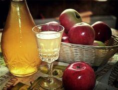"""Азербайджанский ликер """"Нахичевань"""" можно готовить из яблок, груш или их смеси"""