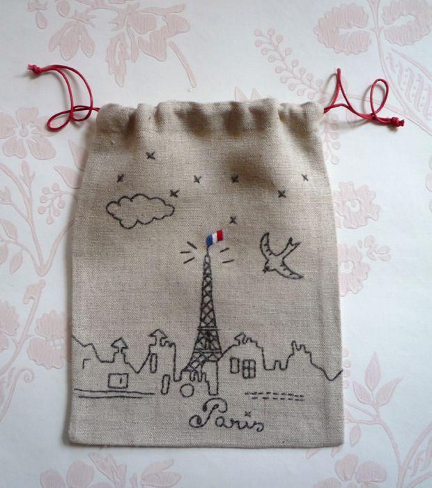 Drapeau - Belle journée à Paris