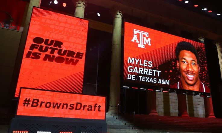 Browns 1st-round haul has a steep hill to climb to be among best ever = Television viewers tuned into the first round of the 2017 NFL Draft in record numbers on Friday night, more than nine million turning to either ESPN or the NFL Network to watch the spectacle at some point during the evening. Nowhere was the fan interest greater than in Cleveland, where more than…..
