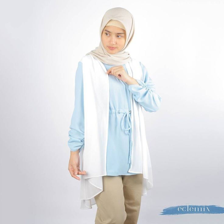 New Arrival 2018: . DAON TOP IN BLUE . exclusive available at : www.eclemix.com  Or reach our admin contact below:  line@ : @eclemix  WA : 081326004010 . #eclemix #hijab #fashion #beauty #fashionhijab  #ootd #top #2018 #localbrand #bandung